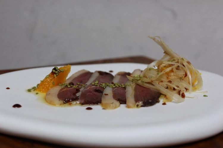 y un jamón, de pato Xabier Gutierrez